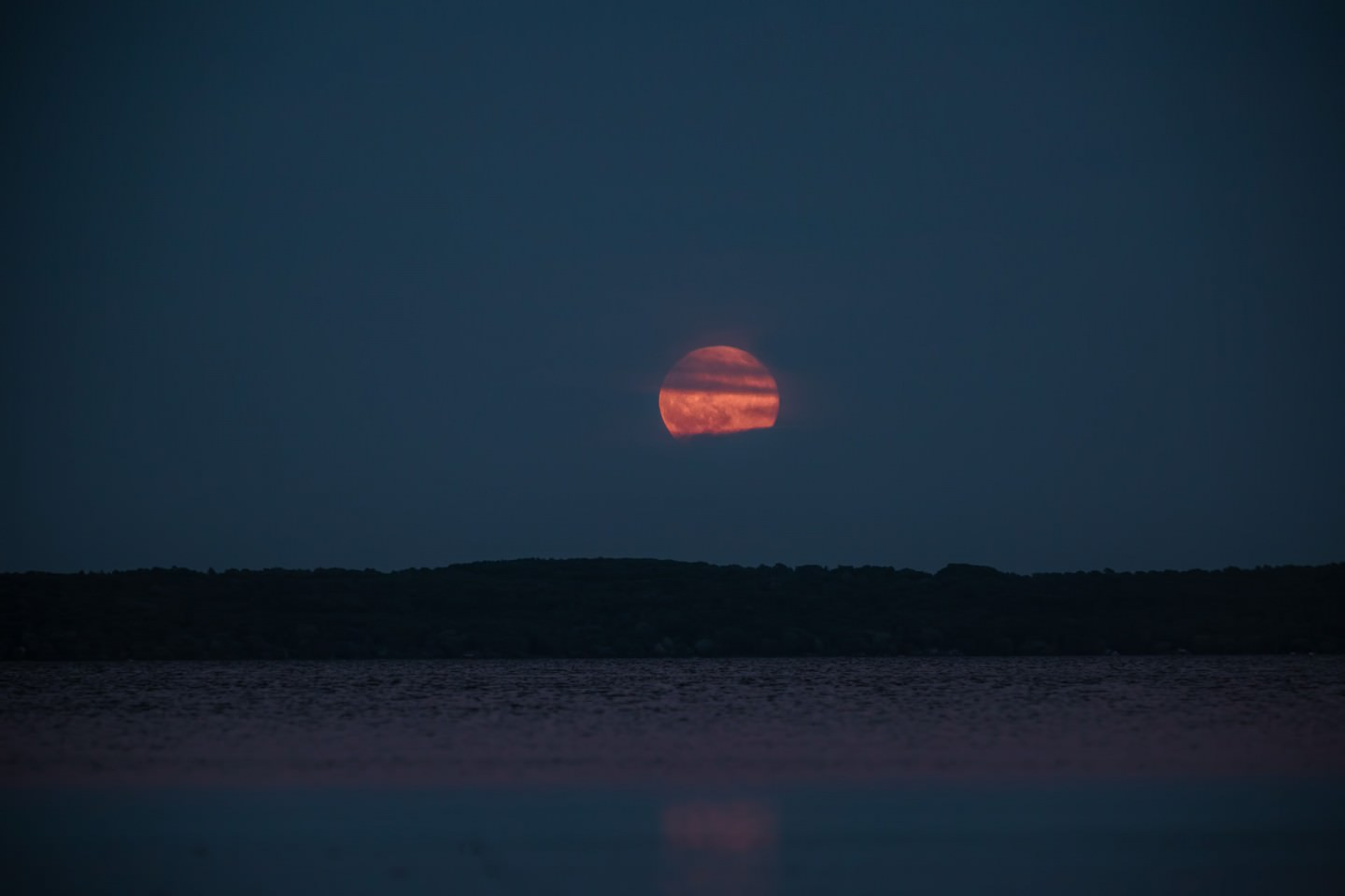 Strawberry-Moon-Rising-on-The-Summer-Solstice-1440x960.jpg